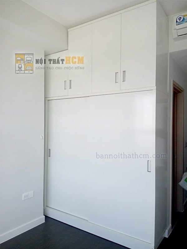 tủ quần áo âm tường